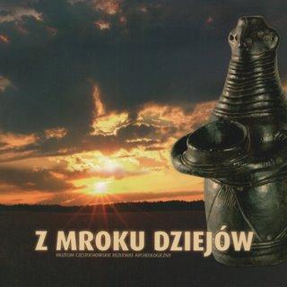 """Okładka publikacji """"Z mroku dziejów"""" - przewodnik po Rezerwacie Archeologicznym"""